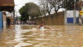 Sesuvy půdy v Brazílii si vyžádaly šest obětí.