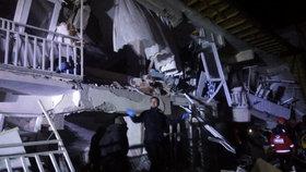 Po zemětřesení v Turecku umírali lidé (24. 1. 2020)