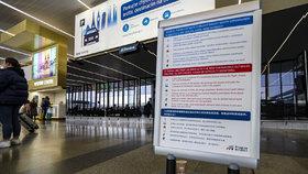 Opatření kvůli koronaviru přijalo i Letiště Václava Havla, instalovány byly informační cedule. (27.1.2020)