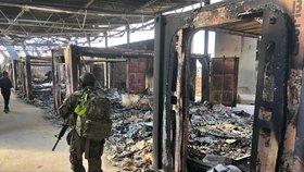 Íránský útok na americkou základnu v Iráku si vyžádal na 50 zraněných.