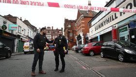 Muž v Londýně se pokusil o teroristický útok, bodl do několika lidí (2. 2. 2020)