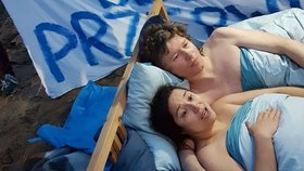 Dvojice polských ekologických aktivistů protestovala v posteli