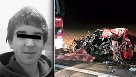 Neměl šanci přežít. Erik (†23) čelně narazil do kamionu, z auta zbyly jen trosky.