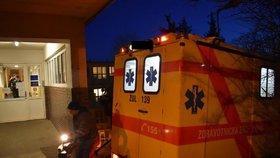 Převoz Čecha z Ústí nad Labem do Nemocnice Na Bulovce: Koronavirem se nakazil v Itálii (1. 3. 2020).