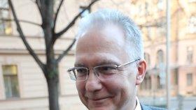 Ředitel BIS Michal Koudelka přichází na jednání Bezpečnostní rady státu, která se sešla kvůli nákaze koronaviru