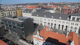 Výhled z terasy na střeše nové radnice Prahy 7