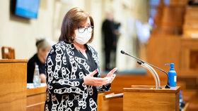 Alena Schillerová v roušce v Senátu (18.3.2020)