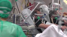 Nemocnice v severní Itálii praskají ve švech.