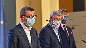 Členové vlády na tiskové konferenci ke koronaviru: Premiér Andrej Babiš (ANO), ministr průmyslu a obchodu Karel Havlíček (ANO) a ministr zdravotnictví Adam Vojtěch (za ANO) (19.3.2020)