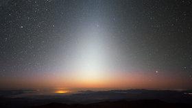 Takto vypadá zvířetníkové světlo, astronomický úkaz oblíbený mezi fotografy.