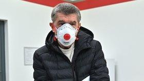 Andrej Babiš s respirátorem kvůli ochraně před koronavirem