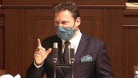 Sněmovna o koronaviru: Radek Vondráček (ANO) před třetí hodinou noční (9.4.2020)