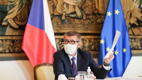 Jednání vlády o koronaviru: Premiér Andrej Babiš (9. 4. 2020)