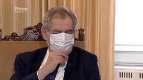 Zeman o koronaviru v Partii na Primě: Roušku si musel opravovat častěji, lezla mu i do očí.