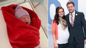 Manželka šéfa STAN Víta Rakušana Marie porodila syna Jonáše (12.4.2020)