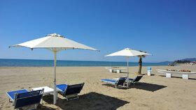 Italové se pečlivě připravují na letní sezónu, na plážích se budou dodržovat rozestupy.