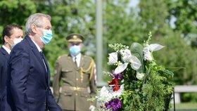 Pieta na Vítkově: Prezident Miloš Zeman uctil oběti 2. světové války (8. 5. 2020).