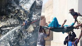 V Pákistánu se zřítilo civilní letadlo se stovkou lidí na palubě.