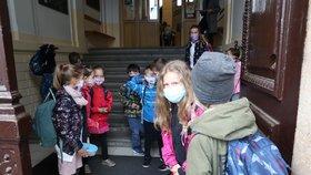 Do lavic se vrátily i děti ze základní školy Botičská v Praze.