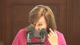 Alena Schillerová během jednání Poslanecké sněmovny (26.5.2020)