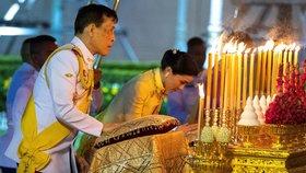 Thajský král Mahá Vatčirálongkón s manželkou Suthidou.