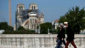 Veřejnosti se po více než roce otevřelo prostranství před Notre-Dame.