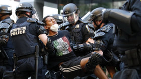 Demonstrace proti policejnímu násilí v USA (2. 6. 2020)