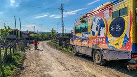Expedice Tatra kolem světa 2 byla v Íránu zadržena policií.