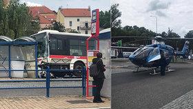 Ve Slaném vjel autobus na nádraží na zastávku a zranil několik lidí.