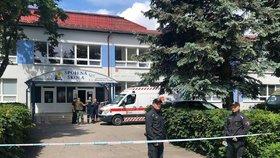 Velká tragédie: Došlo k útoku na základní škole, jedna osoba zemřela