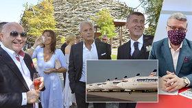 Jiří Šimáně po boku Andreje Babiše na svatbě na Čapím hnízdě. A vicepremiér Karel Havlíček, který řeší podporu Smartwings