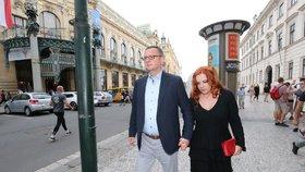 Expremiér Petr Nečas (ODS) s manželkou Janou