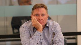 Bývalý šéf ČT24 a současný radní Roman Bradáč na jednání Rady ČT (24.6.2020)