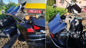 V Nitře se srazil vlak s autem. Řidič utrpěl vážná zranění.