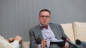 Prezident České stomatologické komory Roman Šmucler při diskusi, jaký bude život po koronaviru (29. 6. 2020)