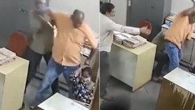 Muž surově zbil svou kolegyni, která mu připomněla, aby si nasadil roušku.