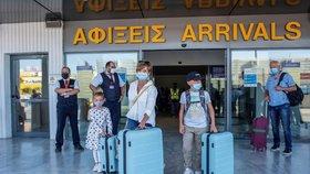 Řecká letiště se po koronavirové krizi znovu plní turisty.