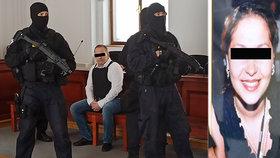 Kosovský Albánec Albert A. doslat 16 let za vraždu partnerky Květoslavy (537). Zastřelil ji v Rokynacech v autě před zraky jejich syna (5).
