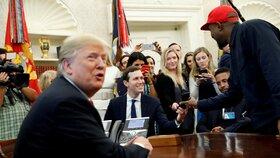 Rapper Kanye West s americkým prezidentem Donaldem Trumpem