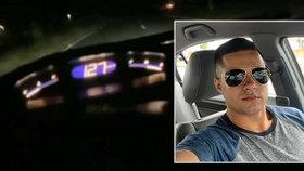Natočil svou vlastní smrt, když poměřoval s kamarádem, kdo má rychlejší auto.