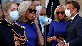 Brigitte Macronová roušku odmítla, její manžel Emmanuel si ji v předvečer výročí dne dobytí Bastily nasadil. (13. 7. 2020)