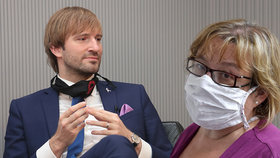 Ministr zdravotnictví Adam Vojtěch (za ANO) vyzval šéfku krajské moravskoslezské hygieny Pavlu Svrčinovou, aby zvážila setrvání ve funkci. (19. 7. 2020)