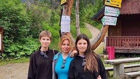 Zuzana Čaputová vyrazila do Vysokých Tater s dcerami Emmou a Leo. Doprovodil je i prvý frajer Juar Rizman, přítel prezidentky