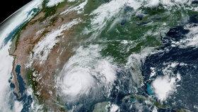 Tropická bouře Hanna se přehnala přes Texas a zamířila do Mexika