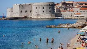 Chorvatská metropole Dubrovník řeší, že stále nepřijelo příliš mnoho turistů. Naopak sever země je téměř na normálu (30.7.2020).