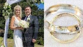 Hamáček konečně promluvil o sňatku s atraktivní blondýnkou.