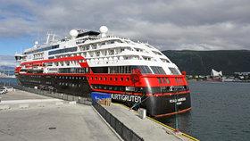 Na palubě lodi společnosti Hurtigruten v norském přístavu Tromsö je nejméně 36 členů posádky nakažených koronavirem. (1.8.2020)