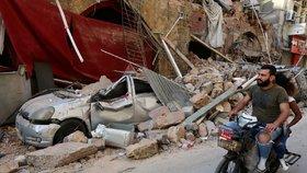Bejrút se vzpamatovává z ničivé exploze.
