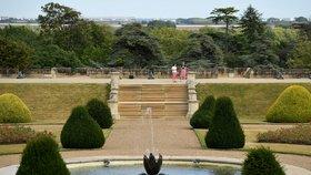 Hrad Windsor se zpřístupní veřejnosti. Je jedním ze sídel britské královny Alžběty II. (6.8.2020)