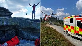 Záchranná akce na Šumavě: Turista spadl ze skály, letěl pro něj vrtulník.